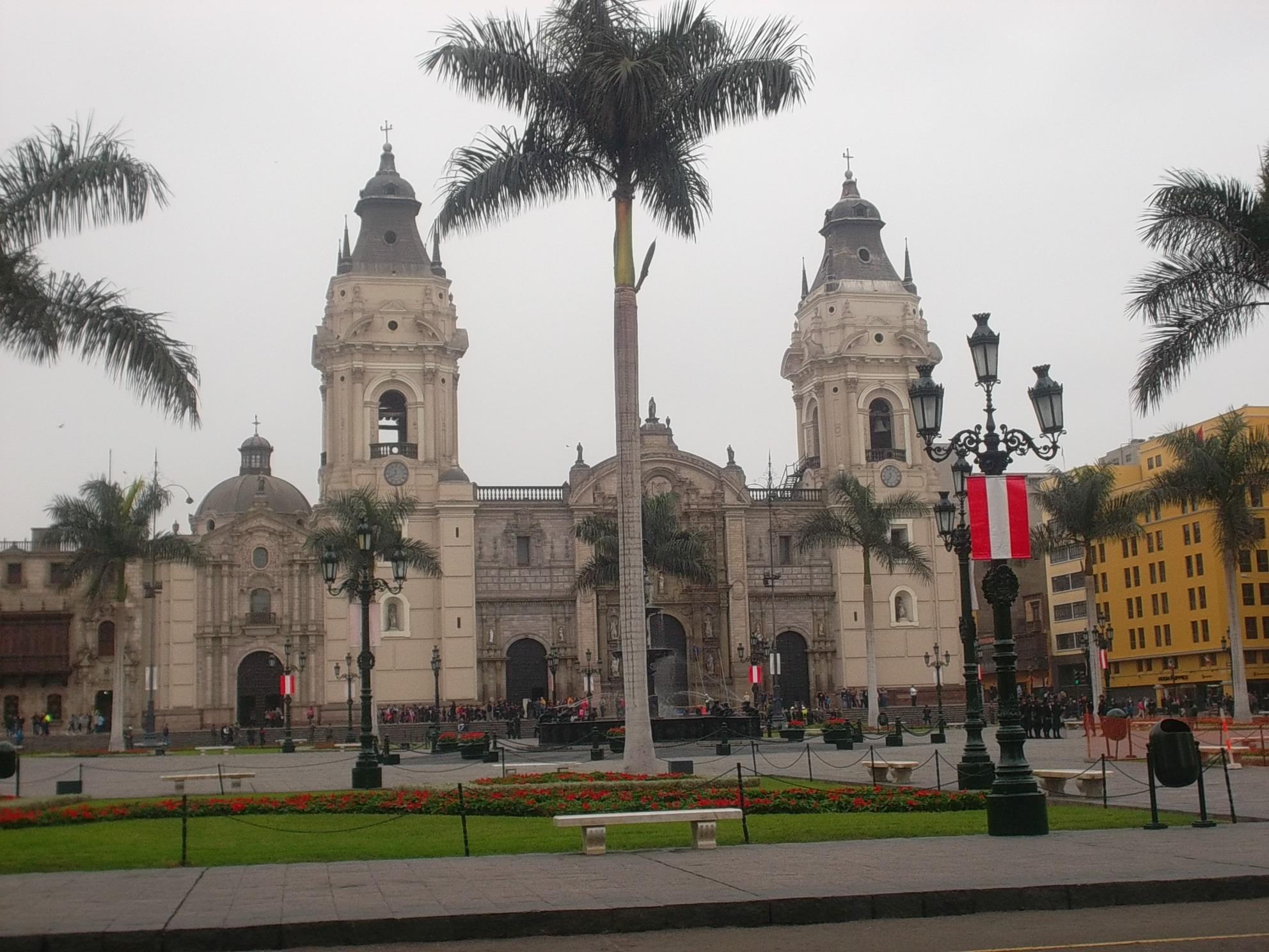 lima kathedrale peru plaza de armas