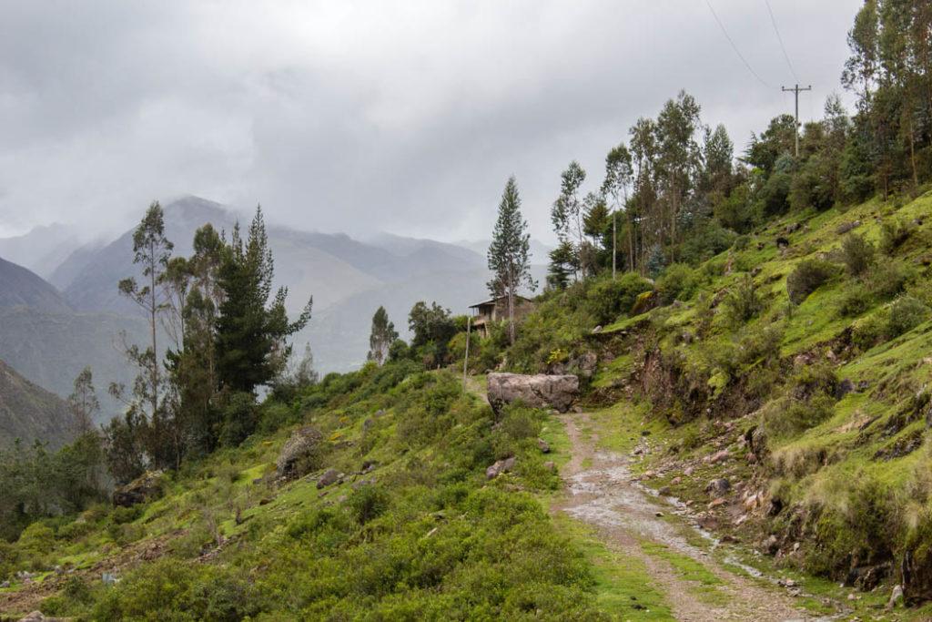 trekking in peru wanderungen in peru lares trek