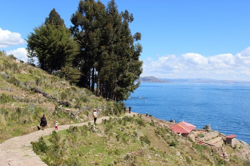 Eine Wanderung über die Insel Taquile.