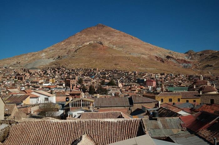 Der Cerro Rico ist das Wahrzeichen von Potosi.